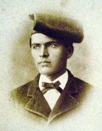 Homenatge al poeta Jacint Verdaguer a la seva tomba